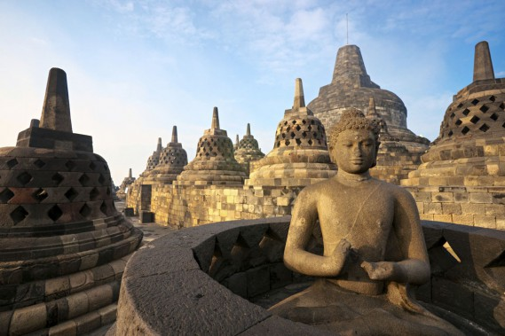 Le temple de Borobudur au lever du soleil, à Yogyakarta. (Photo Digital/Thinkstock)