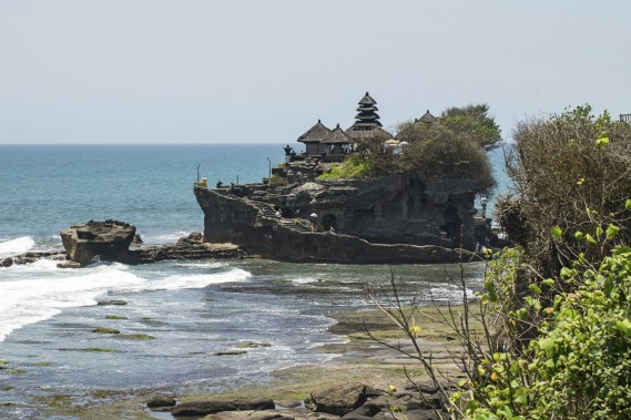 Le temple Pura Tanah Lot, à Bali, ne peut être visité, mais on peut néanmoins s'en approcher. (Photo Digital/Thinkstock)
