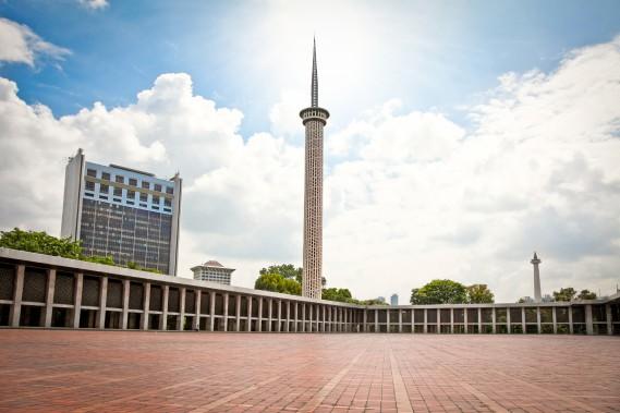 La mosquée Istiqlal, à Jakarta, estla plus grande mosquée d'Asie du Sud-Est. Elle peut accueillir jusqu'à 120 000 fidèles. (Photo Digital/Thinkstock)