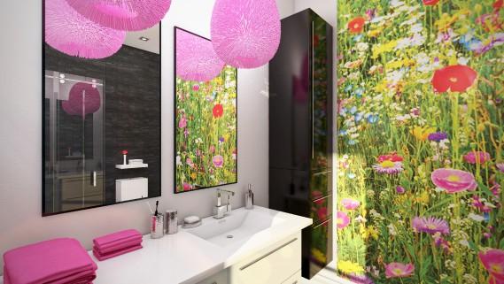 La salle de bain adjacente à la chambre «d'ado». Le papier peint recouvre un seul mur qui vole la vedette. «C'est le focus!» dit la designer Caroline Fréchette. (Graph Synergie)