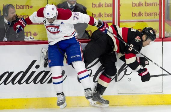 Tout un choc entre les deux équipes. (Photo La Presse Canadienne)