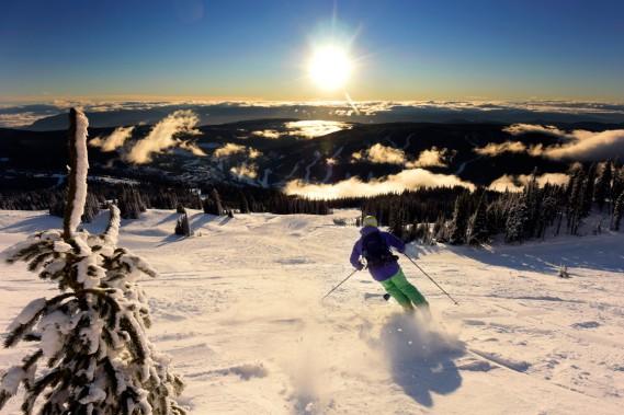 Avec ses 2000 heures d'ensoleillement et ses 6 m de poudreuse par année, Sun Peak bénéficie d'un microclimat assez particulier. (Photo Bernard Brault, La Presse)