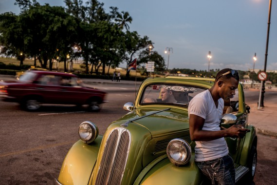 Partagés entre l'excitation et l'incertitude, beaucoup de Cubains ne savent pas vraiment quoi penser du rapprochement entre les États-Unis et leur pays. (Photo The New York Times)