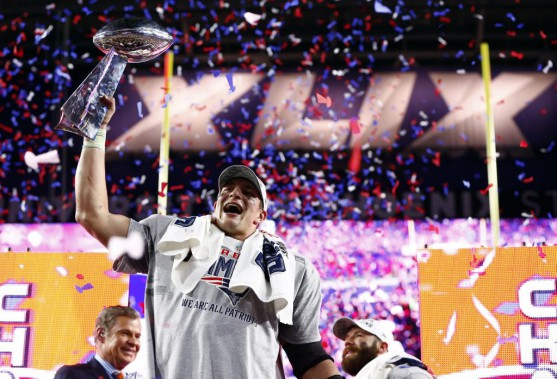 Rob Gronkowski (PHOTO MARK J. REBILAS, USA TODAY)