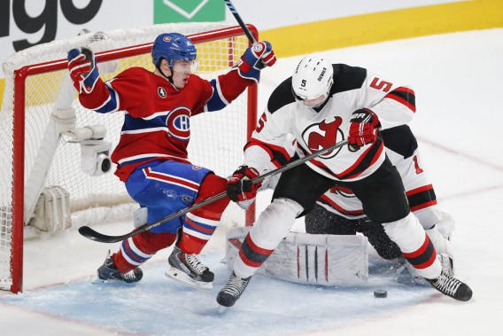 Brendan Gallagher s'est aventuré dans le demi-cercle de Keith Kinkaid. (PHOTO ROBERT SKINNER, LA PRESSE)