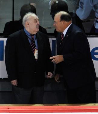 Claude Ruel et Scotty Bowman lors du match pour fêter le centenaire du Canadien, le 4 décembre 2009. (Photo Bernard Brault, archives La Presse)
