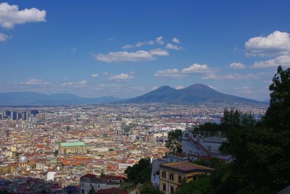 Avec ses nombreux trésors architecturaux, Naples est une ville que l'on prend le temps <br /> de visiter à pied. (PHOTO MARIE TISON, LA PRESSE)