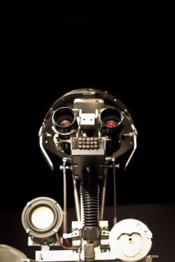 <em>Arthy explique...vous ne serez jamais un artiste génial</em> du collectif virtuel finlarmoiement, hall de Méduse (Photo Marie-Sigrid Lefebvre)