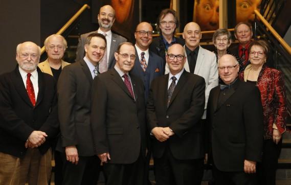 Les personnalités de l'année 2014, toutes catégories confondues, aux côtés de Marco Dubé, directeur de ICI Ottawa-Gatineau, et du président-éditeur du <em>Droit</em>, Jacques Pronovost. (Simon Séguin-Bertrand, LeDroit)