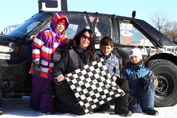 La conjointe de Patrice Dumouchel, Myriam Lachance, a remporté l'an dernier la course pour femmes organisée en fin de saison. (Photo Bruno Dorais, magazine Pole-Position)
