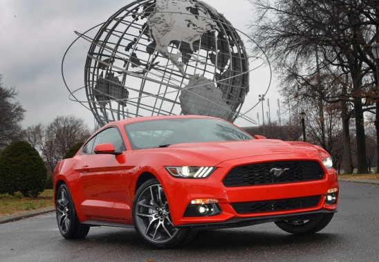 <strong>Ford Mustang 2015 </strong>— À partir de 24 999 $ (Photo fournie par Ford)