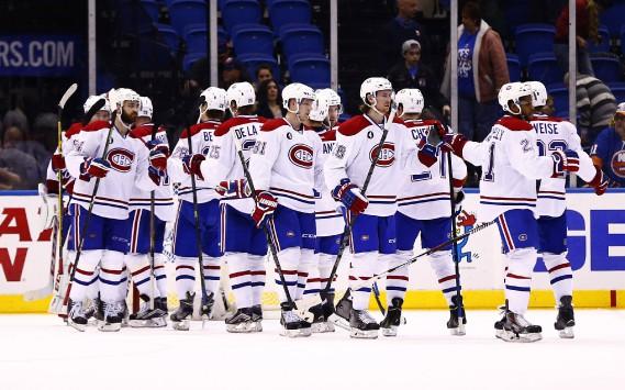 Les joueurs du Canadien célèbrent leur victoire à la fin de la rencontre. (Photo Andy Marlin, USA Today)