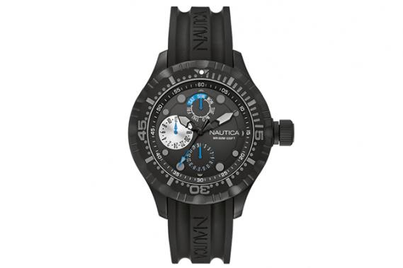 <strong>Belle et robuste</strong> Cette montre Nautica est aussi belle que fonctionnelle. Son boîtier robuste, en acier inoxydable, résiste à l'eau jusqu'à 100 mètres de profondeur. Prix : 195 $. ernest.ca ()