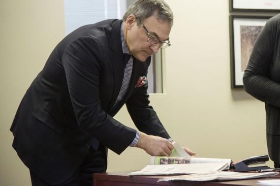 Martin Cauchon à la rédaction du journal. ()