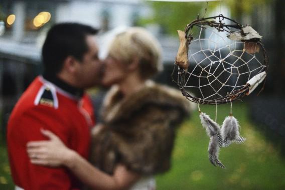 S'il existe des tendances, un mariage doit aussi être personnalisé, insiste Emmanuelle Poirier. Ici, des capteurs de rêves rappelle l'origine algonquine de l'époux. (Photo Dave Gillespie)