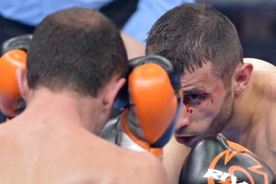 Vislan Dalkhaev (2-0) a battu Adel Hadjouis (7-4) par décision unanime. (Le Soleil, Yan Doublet)