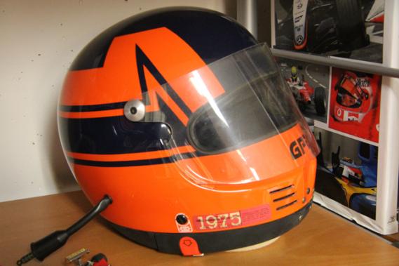 Un casque ayant appartenu à Gilles Villeneuve (Crédits photos : David Nathan, J.-M. Folette et Tourisme Monaco)