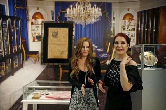 Lisa Marie et Priscilla Presley ont inauguréune nouvelle exposition permanente consacrée au «King». (AP)