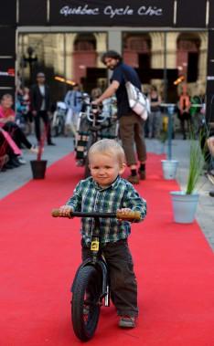 Le petit Léonard, deux ans, accompagnait son papa David Viens (Le Soleil, Erick Labbé)