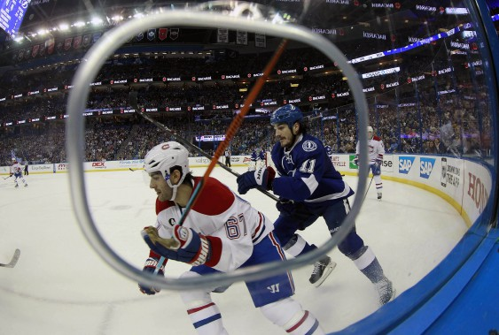 L'attaquant du Canadien Max Pacioretty se fait poursuivre par Brian Boyle en 1re période. (Photo Kim Klement, USA Today)