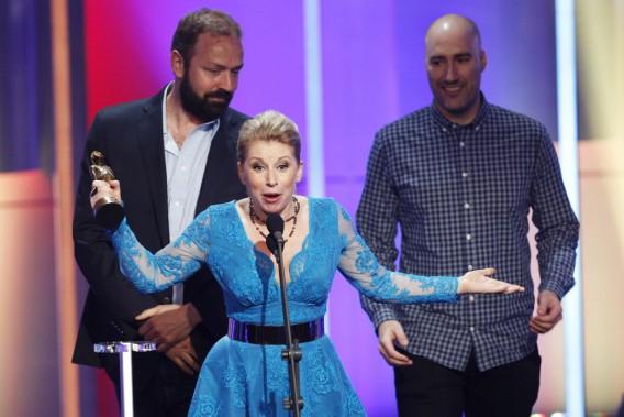 Cathy Gauthier s'est dite très heureuse de gagner un Olivier, pour sonspectacle<i>Pas trop catholique</i>. (Olivier Jean, La Presse)