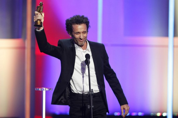 André Sauvé a gagné le trophée du meilleur numéro d'humour pour<em>La grille d'évaluation</em>, un numéro écrit pour présenter un prix lors d'un autre gala. (Olivier Jean, La Presse)