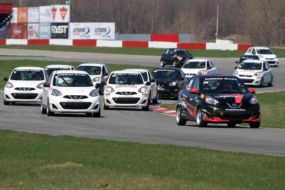Le promoteur Jacques Deshaies soutient qu'à terme, de jeunes pilotes vont se démarquer en Coupe Micra, car le coût moyen annuel y est plus abordable qu'une saison comparable en karting. (Photo Bruno Dorais, fournie par Nissan Canada)