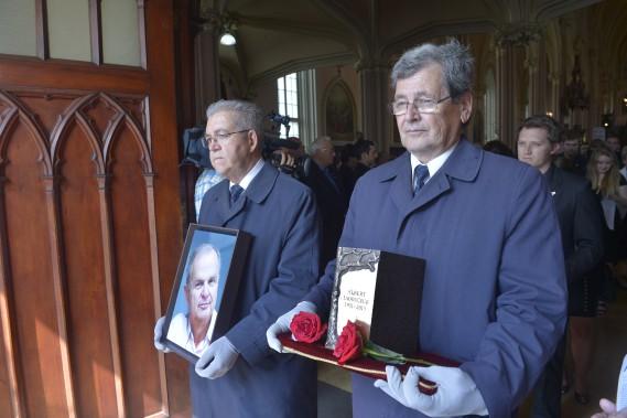 Un dernier hommage au chroniqueur du <em>Journal de Québec</em> Albert Ladouceur à l'église La Nativité de Notre-Dame du Vieux-Beauport (Le Soleil, Jean-Marie Villeneuve)