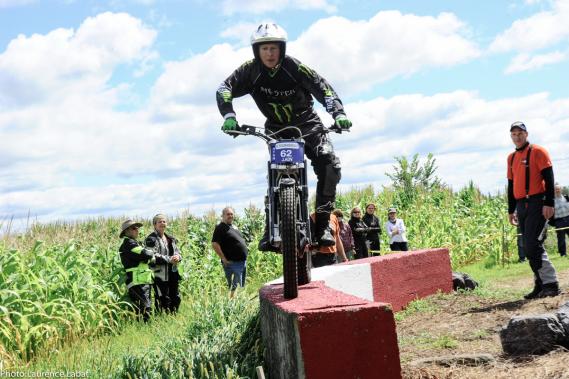 Des démonstrations de trial sont organisées dans le cadre de la Brocante moto. (Photo fournie par la Brocante moto)