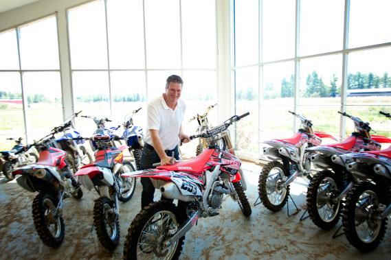Yves Hamel, directeur de SRA Motocross. (Photo Marco Campanozzi, La Presse)
