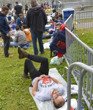 Des fans des Rolling Stones attendent à l'entrée du site des plaines D'abraham. (15 juillet) (Le Soleil, Yan Doublet)