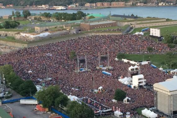 Une marée humaine a inondé les plaines d'Abraham pour le spectacle des Rolling Stones, le 15 juillet. (Le Soleil, Caroline Grégoire)