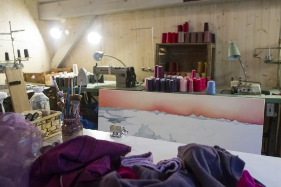 Kim s'est aménagé un atelier où elle compte bien renouer avec son métier d'artisane textile. (Le Soleil, Caroline Grégoire)