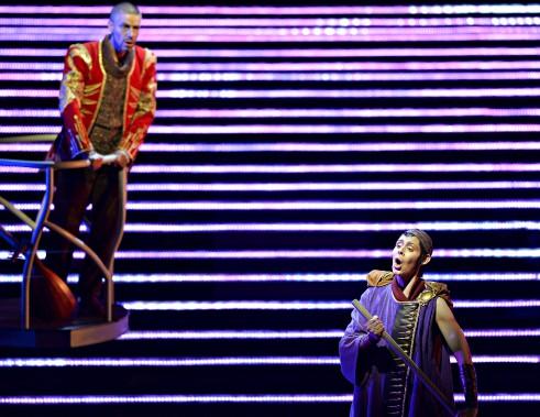 Phillip Addis (Jaufré Rudel) et Tamara Mumford (le Pèlerin) (Le Soleil, Pascal Ratthé)