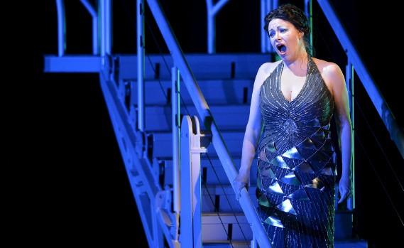 La soprano Erin Wall, dans le rôle de Clémence (Le Soleil, Pascal Ratthé)