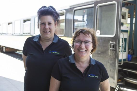 Nos hôtesses de bord de Québec à Baie-Saint-Paul, Marie-Anne Boulanger et Sylvie Miller (Le Soleil, Caroline Grégoire)