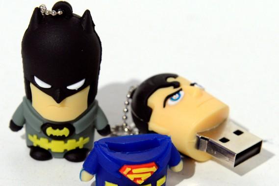 Clés USB de superhéros, L'Inventaire, entre 13,99$ et 16,99 $ (Le Soleil, Erick Labbé)
