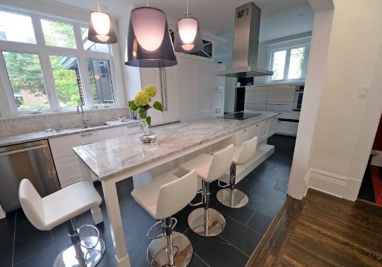 La cuisine, signée Marie-Josée Guité d'AC Cuisines / Salles de bain, a été pensée pour recevoir famille et amis. (Le Soleil, Erick Labbé)