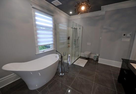La designer Marie-Josée Guité a aussi pensé la salle de bain de la suite des maîtres. (Le Soleil, Erick Labbé)