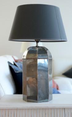 Blancrème propose une panoplie de lampes importées, comblant un manque à Québec, selon la propriétaire. (Le Soleil, Erick Labbé)