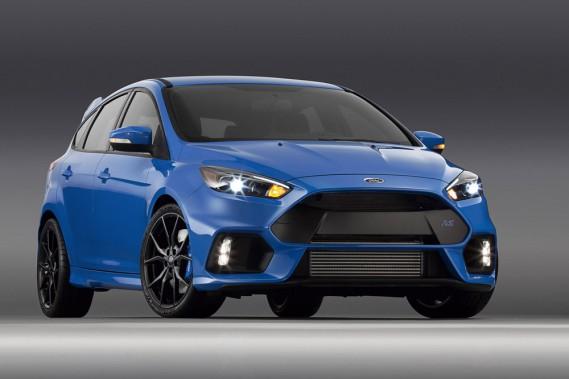 <strong>Ford Focus RS — À partir de 46 969 $</strong> La Focus la plus rapide, équipée d'un moteur EcoBoost de quatre cylindres de 2,3 litres. Les 350 chevaux peuvent propulser le bolide jusqu'à 265 km/h. (Photo fournie par Ford)