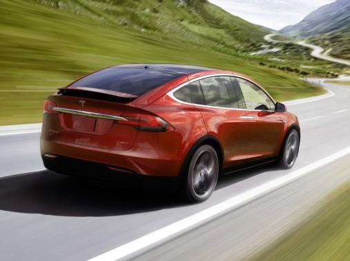 <strong>Tesla Model X — Prix non dévoilé</strong> Le constructeur californien a dévoilé récemment son VUS tant attendu. Il s'agit du premier VUS sept places tout-électrique. (Photo fournie par Tesla)