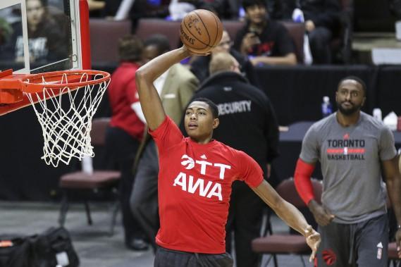 Les joueurs des Raptors portaient un chandail d'entraînement à saveur ottavienne. (Patrick Woodbury, LeDroit)
