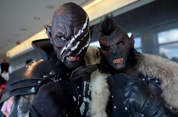 Deux Uruks hai (Le Soleil, Erick Labbé)