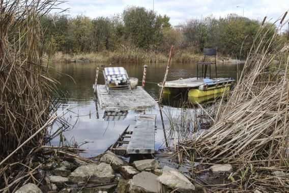 La Ville de Gatineau a procédé au démantèlement des abris temporaires érigés par des dizaines d'itinérants, dans le secteur Hull, vendredi matin. (Patrick Woodbury, LeDroit)