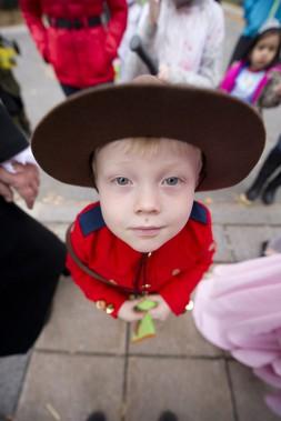 Fletcher Much s'est déguisé en policier de la GRC. (Martin Roy, LeDroit)