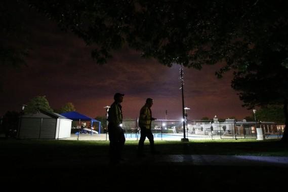 «Si un fil électrique se détache, on peut demander à un bénévole de rester sur place avant qu'Hydro-Québec arrive », illustre Glenn Nashen. Ainsi, on n'occupe pas un policier pendant trois heures. (PHOTO MARTIN CHAMBERLAND, LA PRESSE)