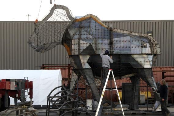 Le mammouth, d'une taille de 6 mètres (20 pieds), sera la plus grosse oeuvre présentée aux Floralies internationales d'Antalya. (Patrick Woodbury, LeDroit)