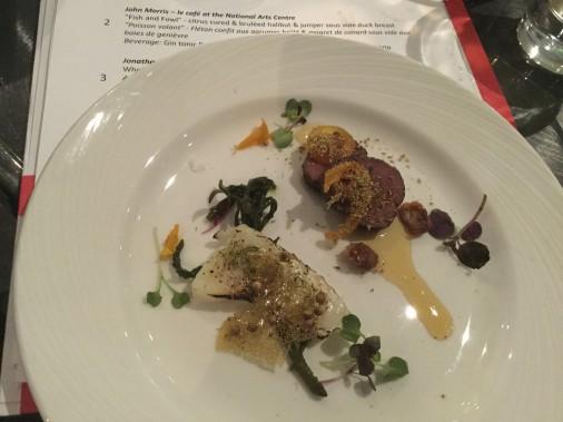 2. John Morris, Café du Centre national des arts (Cote Jury 7/10): flétan confit aux agrumes et magret sous-vide. Très belle assiette colorée, des protéines moelleuses et savoureuses. ()