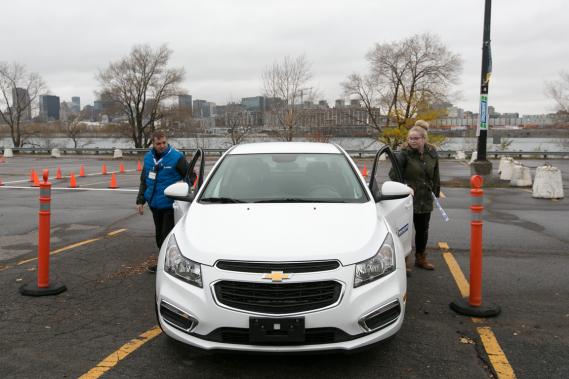 Une inspection sommaire du véhicule est toujours recommandée avant de monter à bord. (Photo François Roy, La Presse)